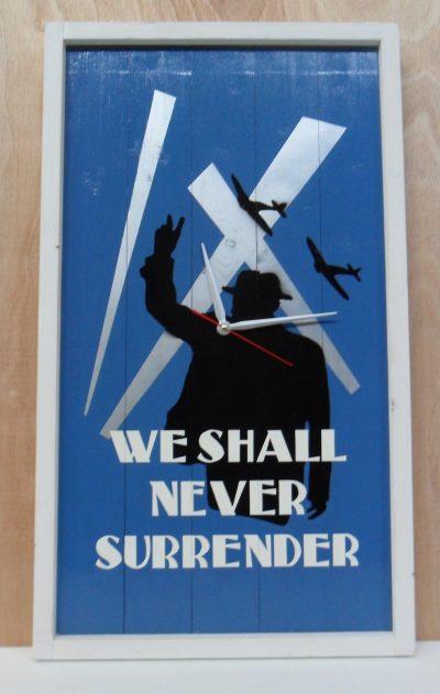 Wandbord met klok Churchill